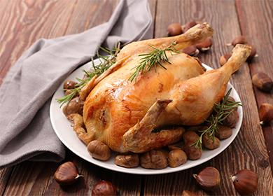 Печено пиле на ястие