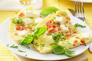 Omeleta s rajčaty a sýrem feta