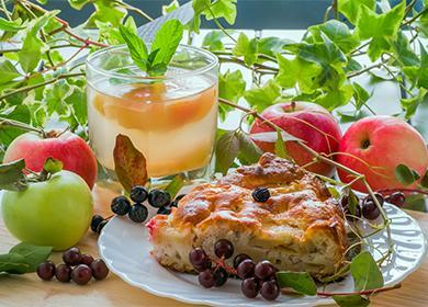 Шарлът с ябълки