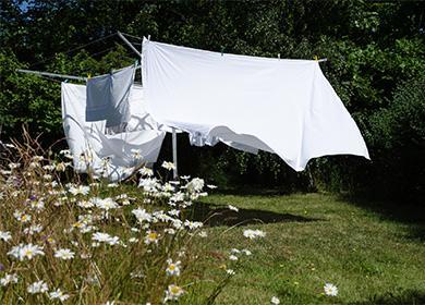 Сушене на спално бельо на въже