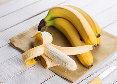 Banán na polici
