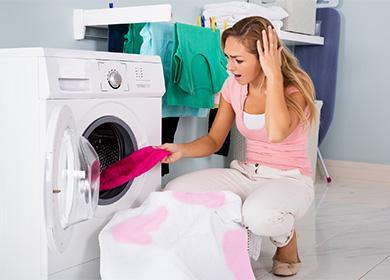 Петна по дрехите след пране