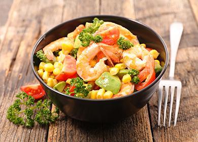 Салата със зеленчуци и скариди