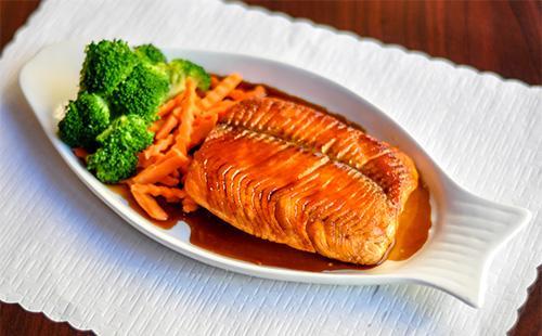 Rybí teriyaki omáčka z rybí podlahy