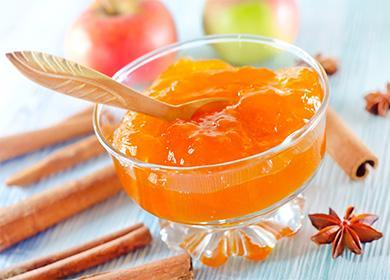 Ябълково сладко в купа