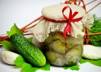 Konzervovaný salát z okurek