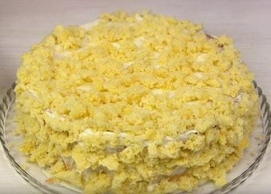 Velmi chutný a jednoduchý recept na sušenkový dort: připravte se s fotografiemi krok za krokem.