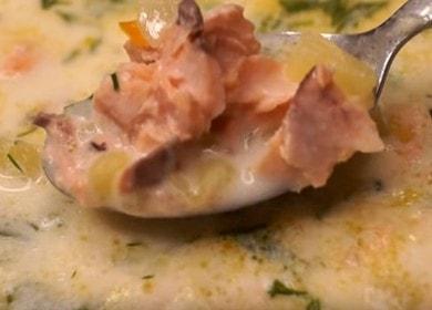 Připravujeme aromatickou rybí polévku z lososa podle postupného receptu s fotografií.