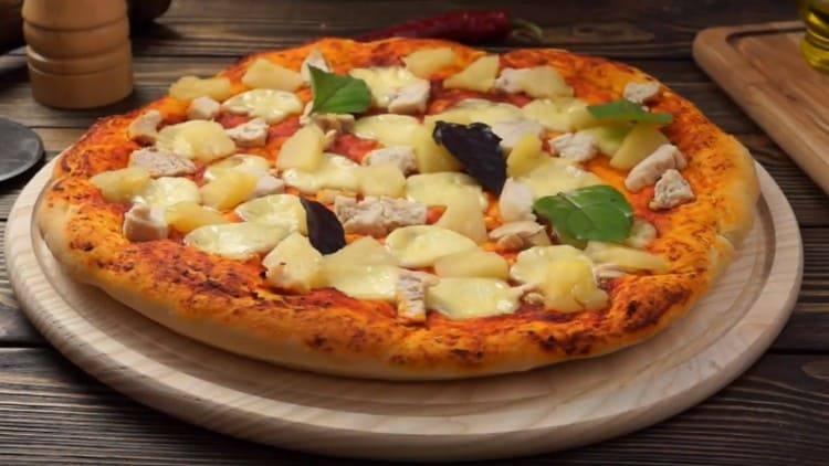 Опитайте тази рецепта и се опитайте да направите такава вкусна пица с ананас и пиле.
