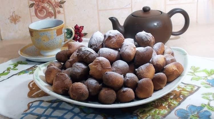 Vyzkoušejte tento recept a pokuste se vyrobit Tatar baursaki sami.