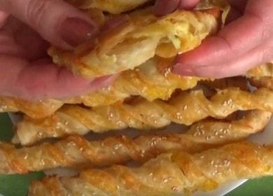 Ние печем сирени пръчици от бутер тесто по рецепта стъпка по стъпка със снимка.