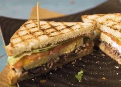Приготвяме вкусен сандвич с риба тон по рецепта стъпка по стъпка със снимка.