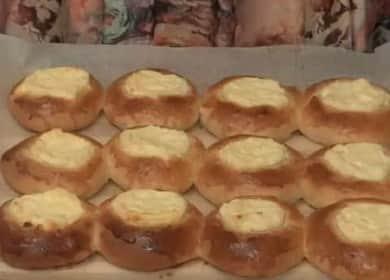 Lahodné bohaté tvarohové koláče s tvarohem v troubě