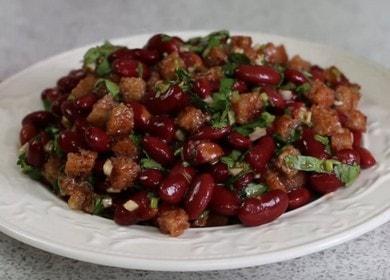 Připravujeme lahodný libový salát s konzervovanými fazolemi podle postupného receptu s fotografií.