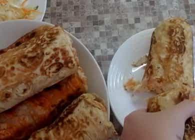 Jak se naučit, jak vařit chutné domácí shawarma s kuřecím masem v pita chléb