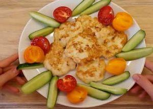 Вкусно и деликатно нарязано пилешко филе