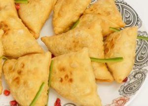 Samosas: Vynikající recept na indickou kuchyni.