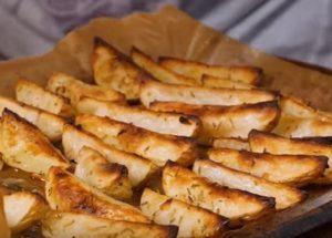 Úžasně chutné a zalévání brambor doma: vaříme podle receptu s fotografií.