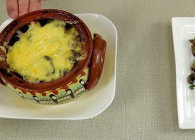 Pečené brambory v květináčích  s masem a žampiony