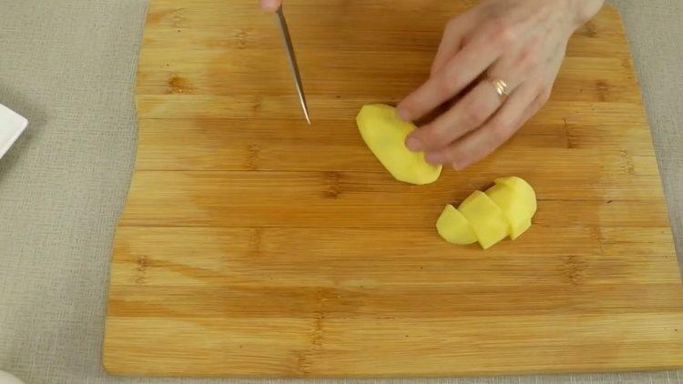 nakrájejte brambory