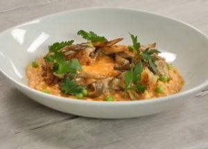 Стъпка по стъпка рецепта с пилешко месо и гъби със снимка